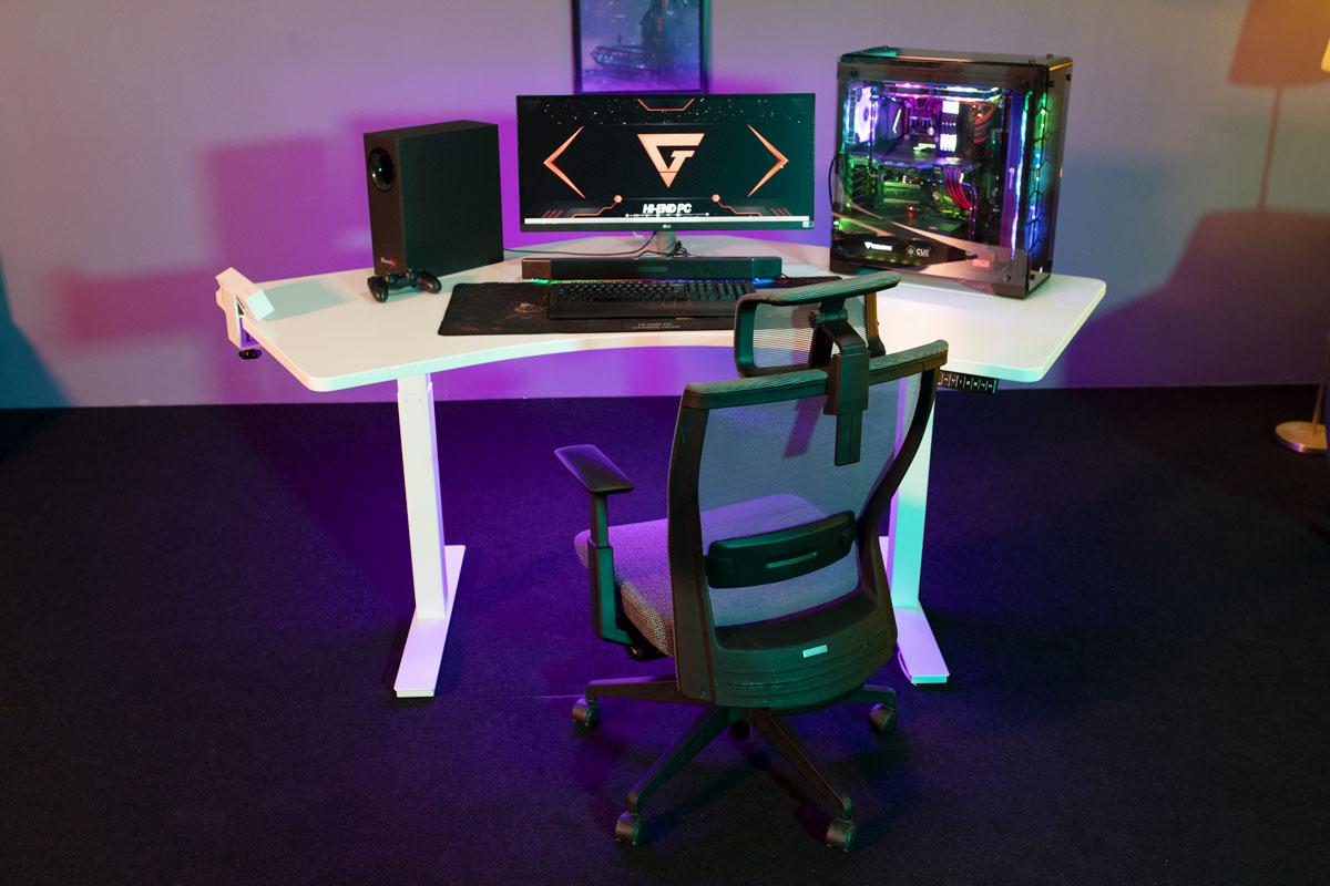 Standing Desks by Autonomous