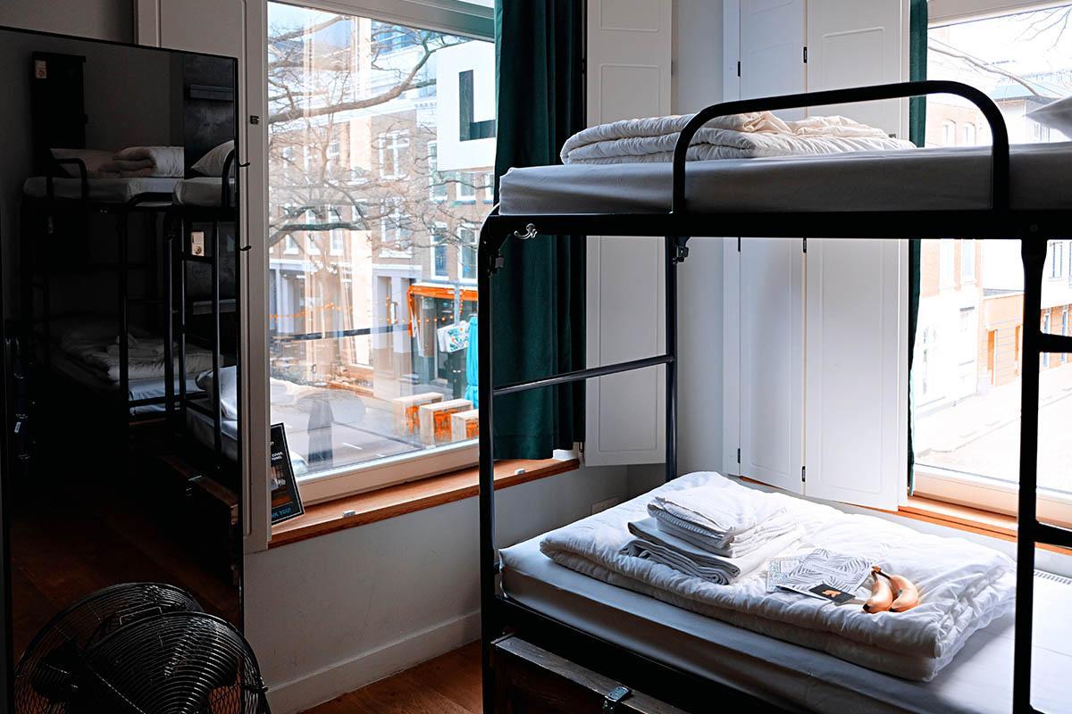 Dorm Room Desk Size and Dimension